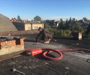 izolacja termiczna dachu o grubości 30cm